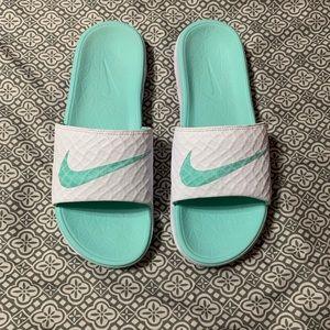 Nike Benassi Solarsoft 2 Slide / Sandal